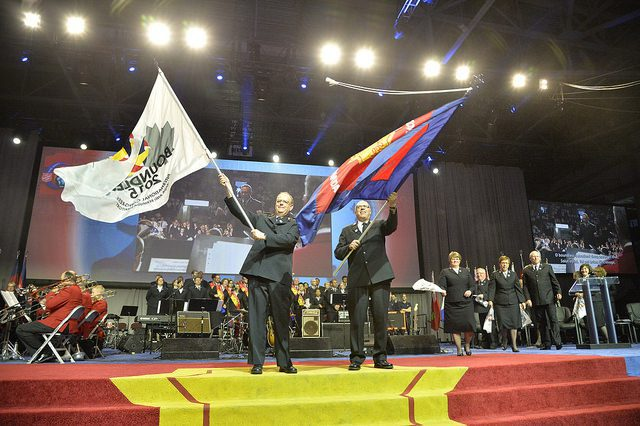 General André Cox, waving the Boundless 2015 flag