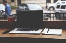 notebook-hero-workspace-minimal
